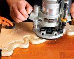 Как пользоваться электрической фрезой – Работа ручным фрезером по дереву, примеры работы с фото