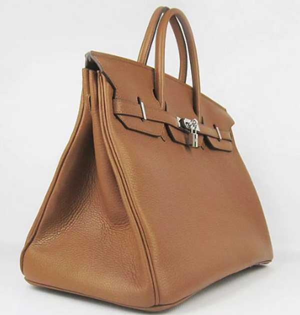cafd004c8cce Бренд представил миру свою коллекцию сумок много лет назад, но ни  по-прежнему остаются актуальны в мире моды. Сумки от Hermes – это мечта  каждой женщины.
